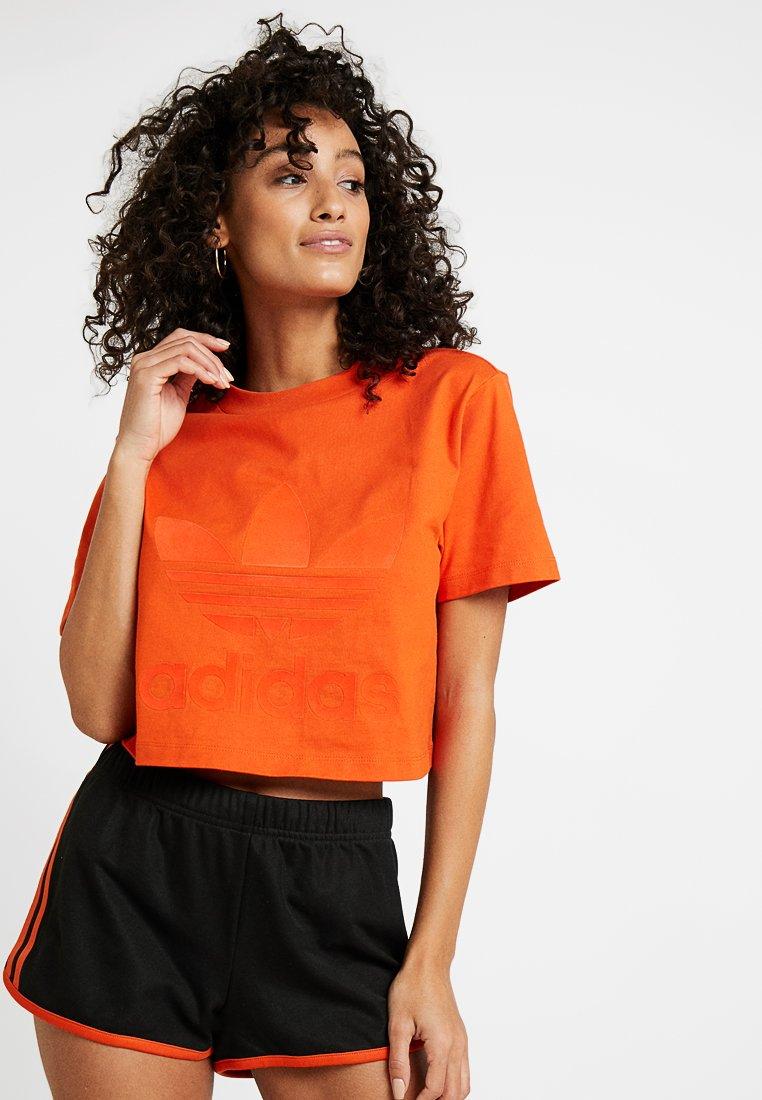 adidas Originals - CROPPED TEE - Print T-shirt - craft orange