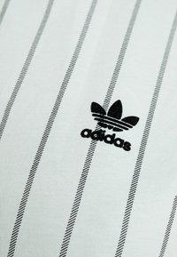 adidas Originals - CROP TEE - T-shirt print - vapour green - 5
