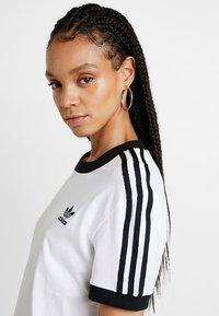 adidas Originals - 3 STRIPES TEE - T-shirt basic - white - 4