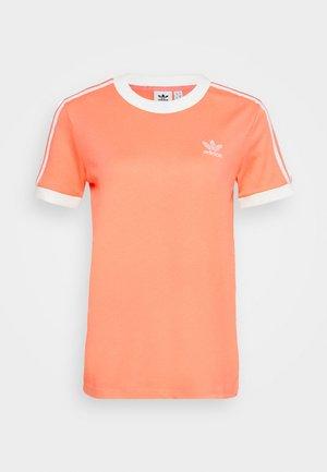 ADICOLOR  STRIPES SHORT SLEEVE TEE - T-shirt z nadrukiem - chalk/coral/white