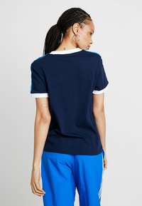 adidas Originals - STRIPES TEE - T-shirts med print - collegiate navy - 2