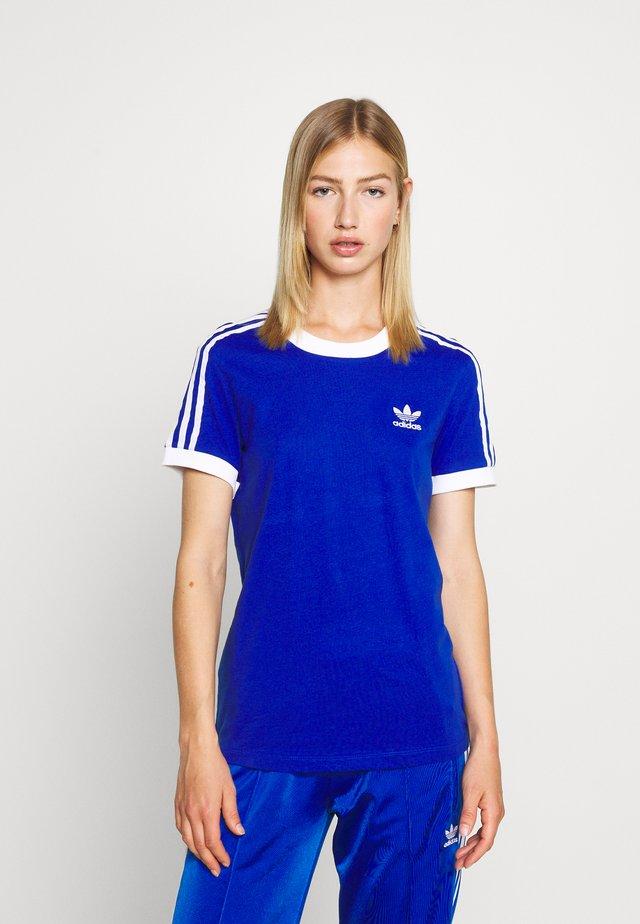 ADICOLOR  STRIPES SHORT SLEEVE TEE - Print T-shirt - team royal blue/white