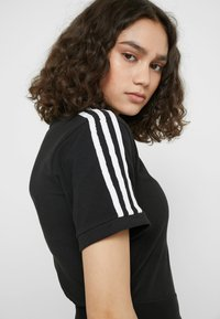 adidas Originals - BODY - T-shirt z nadrukiem - black - 4
