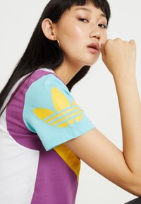 adidas Originals - TEE - T-Shirt print - white - 3