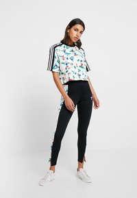 adidas Originals - CROPPED TEE - T-shirt con stampa - multicolor - 1