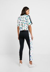 adidas Originals - CROPPED TEE - T-shirt con stampa - multicolor - 2
