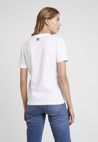 adidas Originals - TEE - T-shirt basique - white - 2
