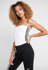 adidas Originals - BANDEAU - Topper - white - 0