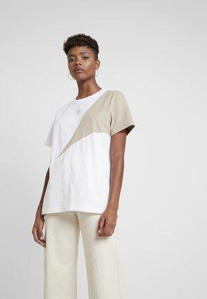 COLOUR BLOCKING DESIGN BOYFRIEND TEE - T-shirt imprimé - white