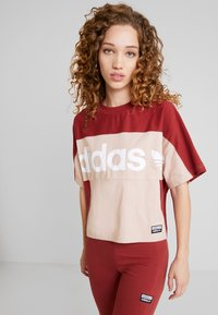 adidas Originals - BOXY TEE - T-shirt imprimé - ash pearl - 0