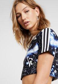 adidas Originals - GRAPHIC - T-shirts med print - multicolor - 5