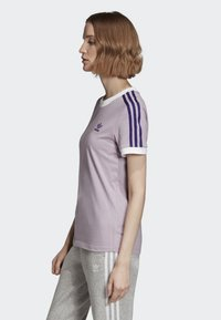 adidas Originals - STRIPES T-SHIRT - T-shirts med print - purple - 3