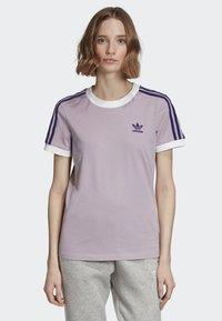 adidas Originals - STRIPES T-SHIRT - T-shirts med print - purple - 0