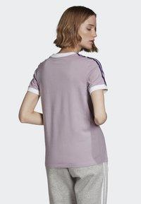 adidas Originals - STRIPES T-SHIRT - T-shirts med print - purple - 1