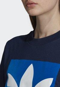 adidas Originals - BOYFRIEND LONG-SLEEVE TOP - T-shirts med print - blue - 5