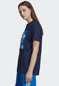 adidas Originals - BOYFRIEND LONG-SLEEVE TOP - T-shirts med print - blue - 3