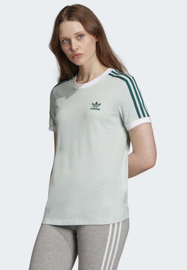 adidas Originals - 3-STRIPES T-SHIRT - T-shirt med print - green