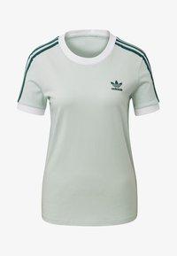 adidas Originals - 3-STRIPES T-SHIRT - T-shirts med print - green - 3