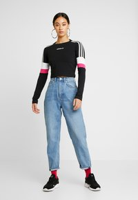 adidas Originals - CROPPED - Camiseta de manga larga - black - 1