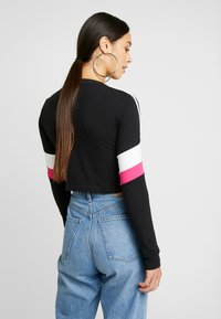 adidas Originals - CROPPED - Long sleeved top - black - 2