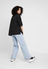 adidas Originals - OVERSIZED - Piké - black/white - 2