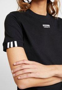 adidas Originals - TEE - T-shirt con stampa - black - 4