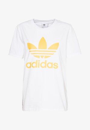 ADICOLOR TREFOIL SHORT SLEEVE TEE - T-shirt print - white/core yellow