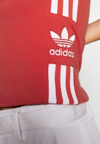 adidas Originals - 3STRIPES ADICOLOR TUBE - Débardeur - lush red/white - 4