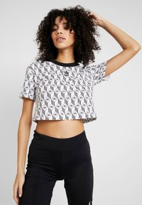 adidas Originals - MONOGRAM CROPPED SHORT SLEEVE GRAPHIC TEE - Print T-shirt - black/white - 0