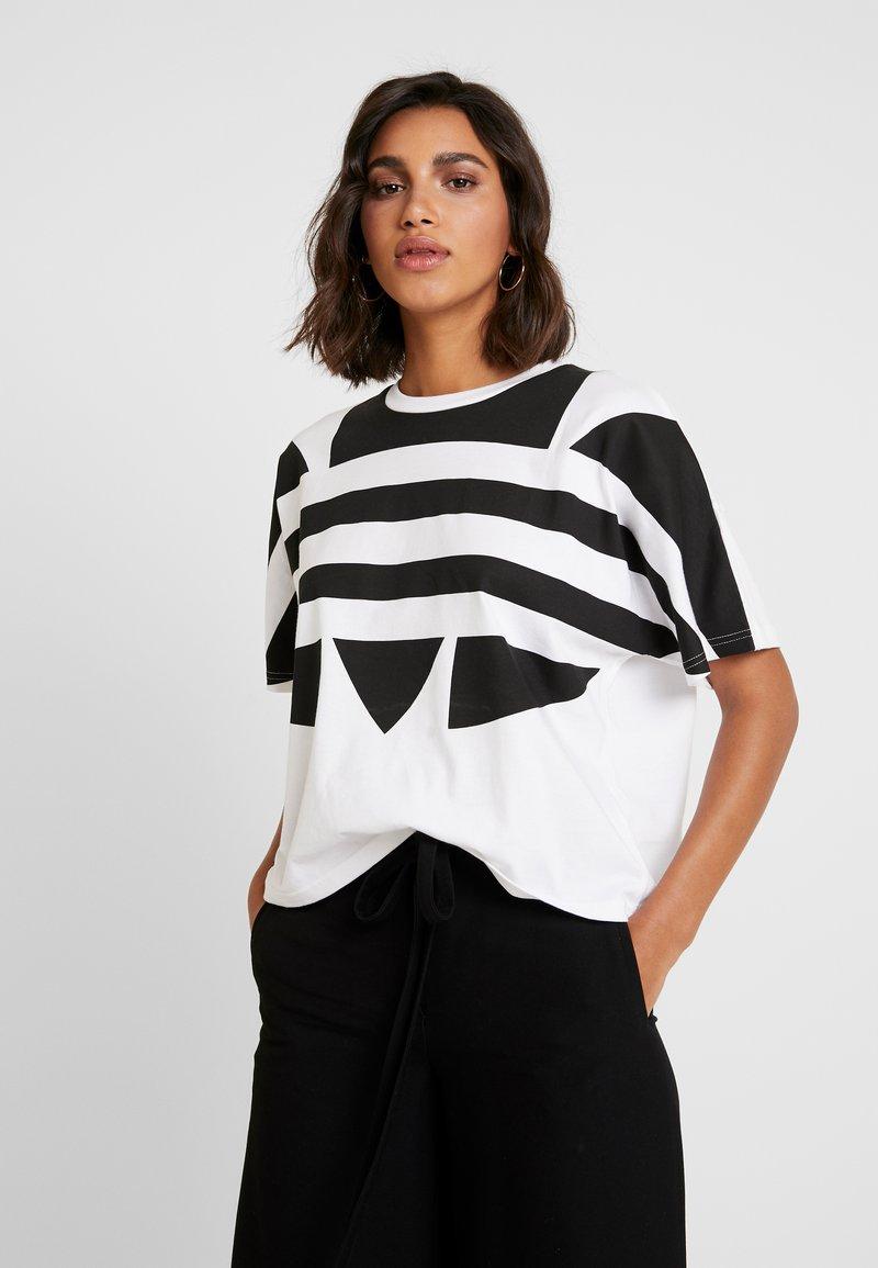 adidas Originals - LOGO TEE - Print T-shirt - white/black