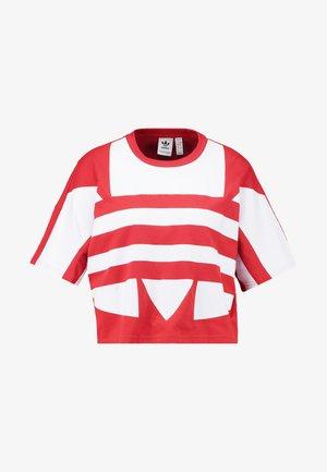 LOGO TEE - Print T-shirt - lush red/white
