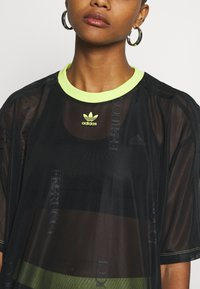 adidas Originals - SHEER - T-shirt con stampa - black - 5