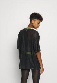 adidas Originals - SHEER - T-shirt con stampa - black - 2