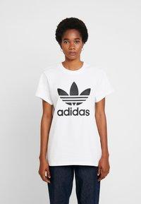 adidas Originals - T-shirts print - white - 0