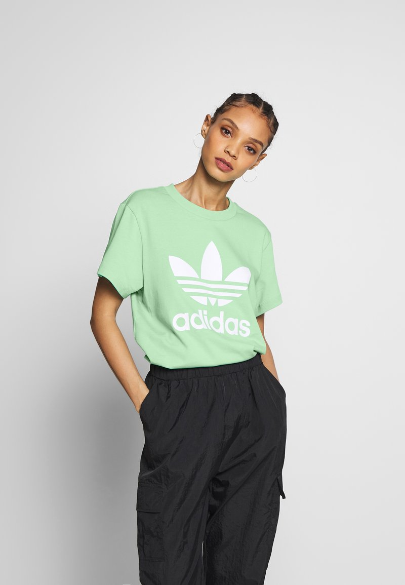 adidas Originals - T-shirt print - prism mint/white