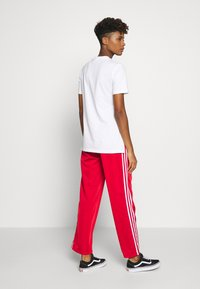 adidas Originals - TEE - T-shirt print - white - 2
