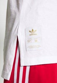 adidas Originals - TEE - T-shirt print - white - 5