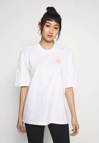 adidas Originals - GIRLS ARE AWESOME SHORT SLEEVE TEE - Print T-shirt - white - 0