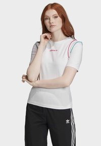 adidas Originals - SLIM T-SHIRT - T-shirt print - white - 0