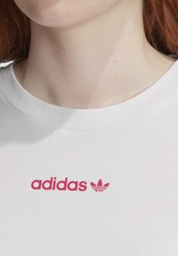 adidas Originals - SLIM T-SHIRT - T-shirt print - white - 6