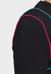 adidas Originals - SLIM T-SHIRT - T-shirt con stampa - black - 5