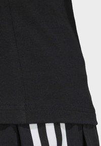 adidas Originals - SLIM T-SHIRT - T-shirt con stampa - black - 4