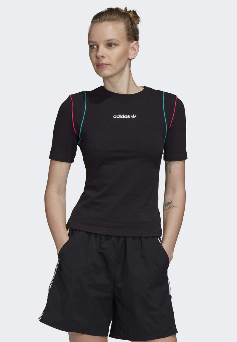 adidas Originals - SLIM T-SHIRT - T-shirt con stampa - black