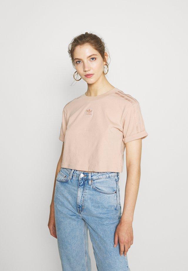 CROPPED - Print T-shirt - ash pearl