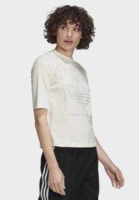 adidas Originals - T-SHIRT - T-shirt z nadrukiem - white - 3