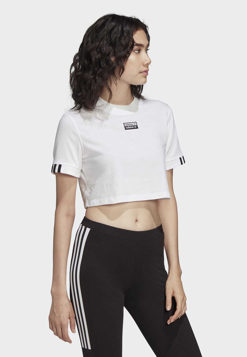 adidas Originals - CROP TOP - T-shirt z nadrukiem - white
