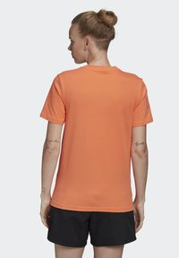 adidas Originals - TREFOIL T-SHIRT - Print T-shirt - orange - 1
