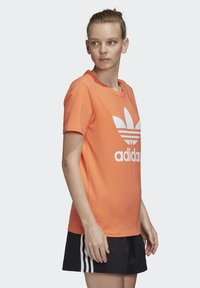 adidas Originals - TREFOIL T-SHIRT - Print T-shirt - orange - 4
