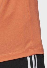 adidas Originals - TREFOIL T-SHIRT - Print T-shirt - orange - 7