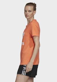 adidas Originals - TREFOIL T-SHIRT - Print T-shirt - orange - 2